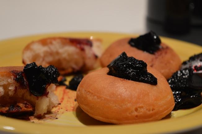Šišky (shishki) or mini-doughnuts with jam