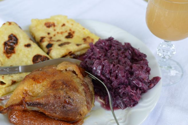 roast duck with lokshe and braised red cabbage