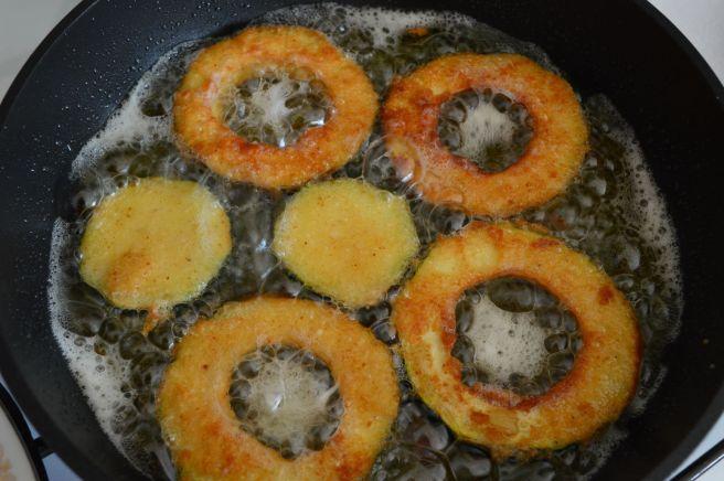 frying zucchini rings